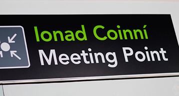 meeting point signage terminal 2
