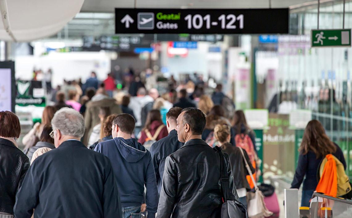 busy-dublin-airport-21b3a498b73386836b47fff0000600727