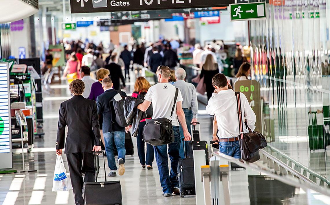 busy-dublin-airport-4147b478b73386836b47fff0000600727