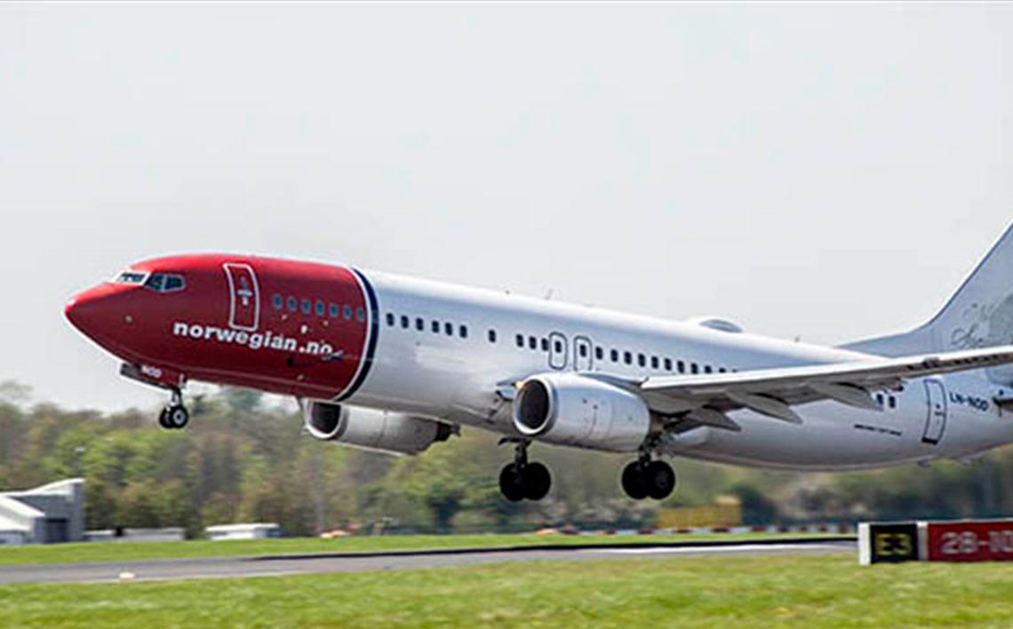 norwegian_taking_off8855478b73386836b47fff0000600727